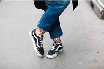 Do Vans Stretch Out As You Wear Them