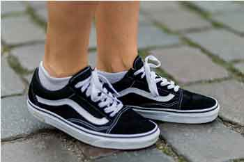 Do Vans Stretch Out As You Wear Them?