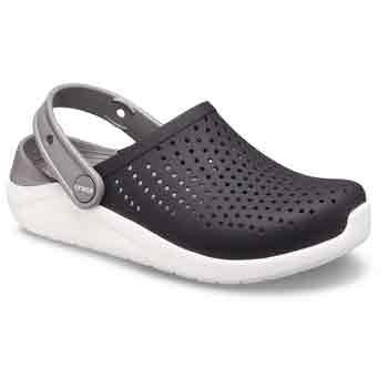 Can You Wear Crocs In Public